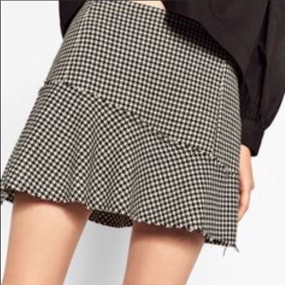 Zara Dresses & Skirts - Zara houndstooth Skirt